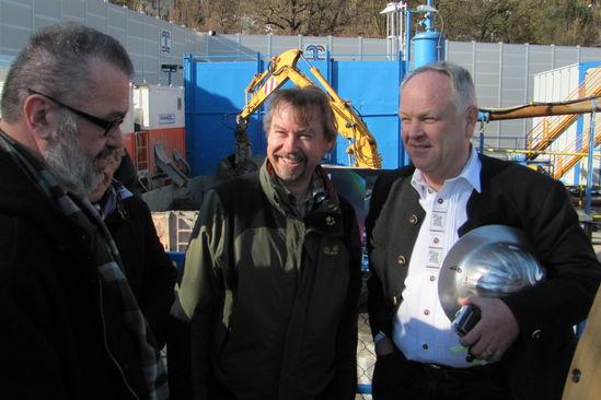 Richard Fischer, Ludwig Spirkl und Bgm. Klika im Gespräch